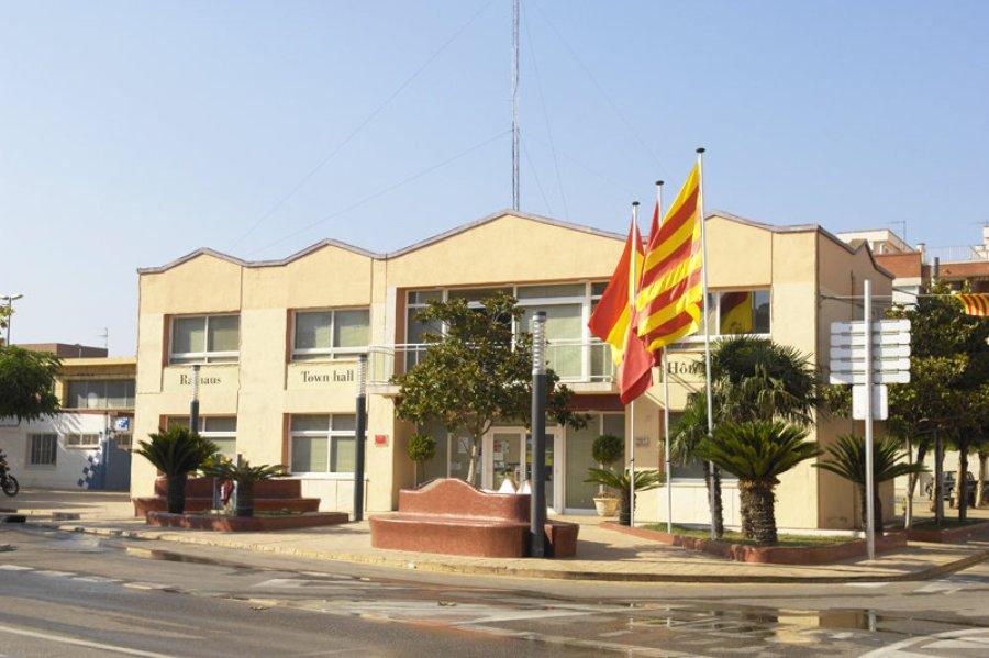 Camarles town hall